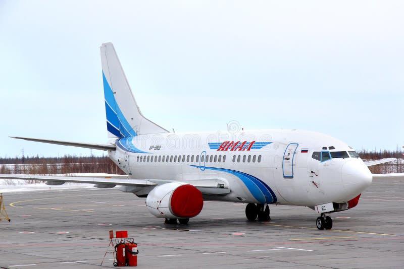Linhas aéreas Boeing 737 de Yamal imagem de stock royalty free