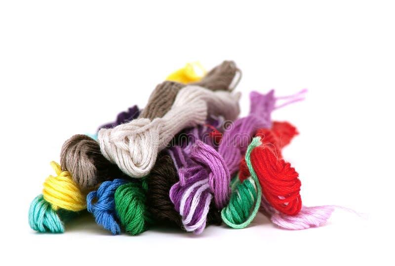 Linhas coloridos do algodão fotos de stock royalty free