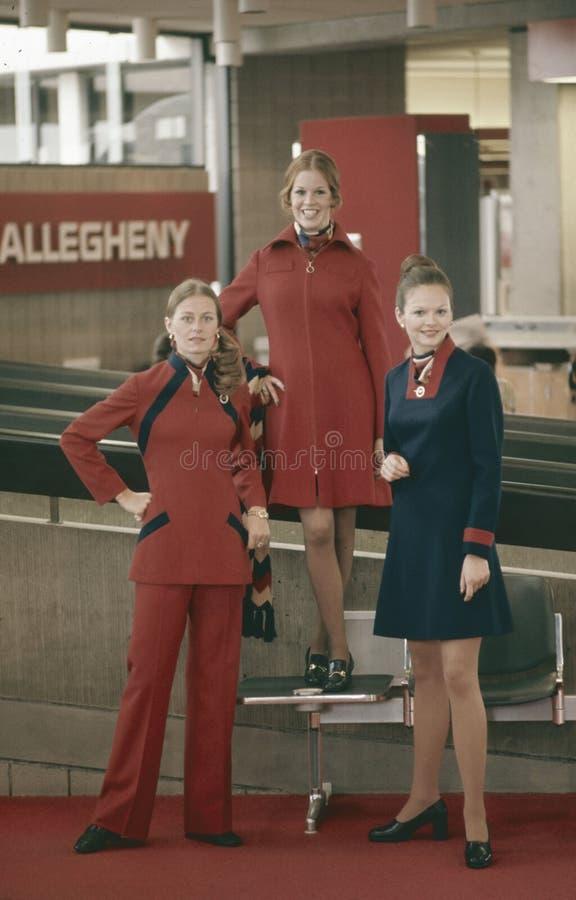 Linhas de ar uniformes novos de Allegheny dos aeromoços imagem de stock