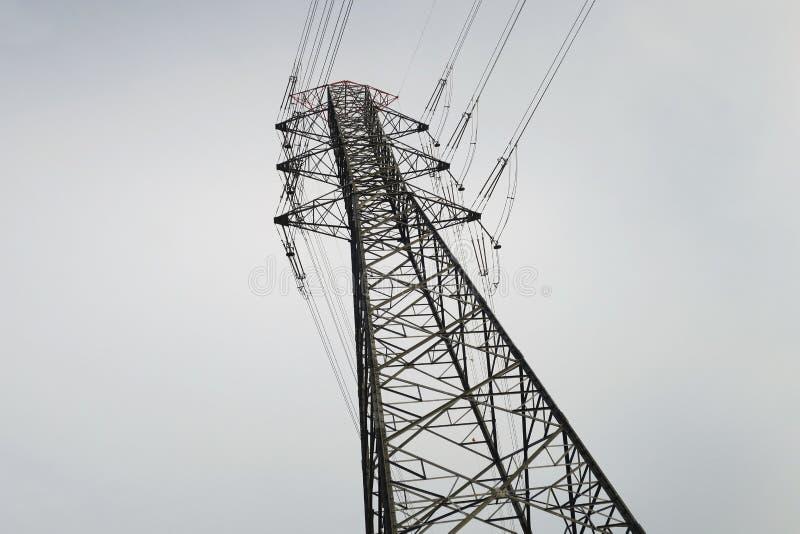 Linhas de transmissão da energia eléctrica imagens de stock royalty free