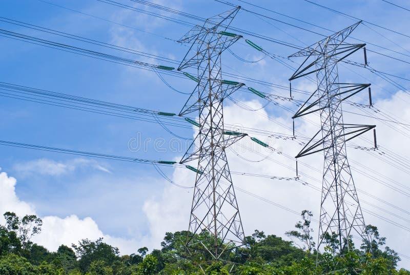 Linhas de transmissão elétricas da potência foto de stock royalty free