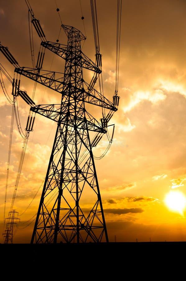Linhas eléctricas da eletricidade fotos de stock