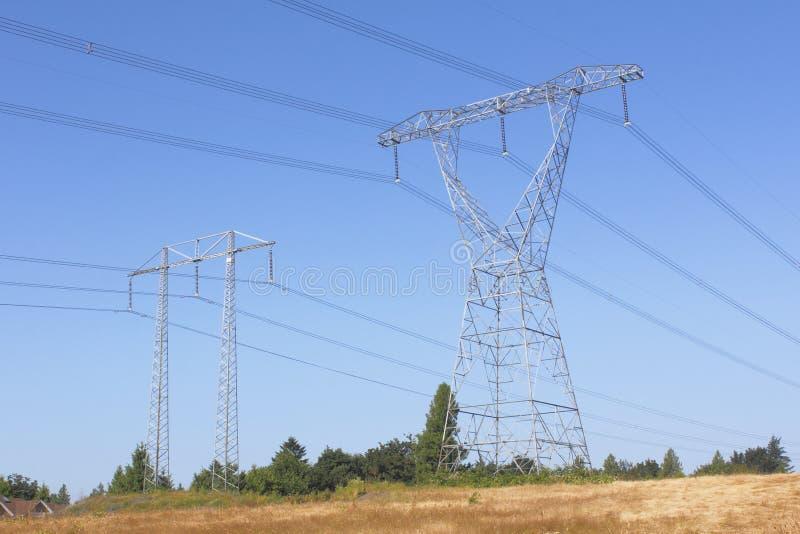 Linhas eléctricas de Transporte-Canadá imagem de stock