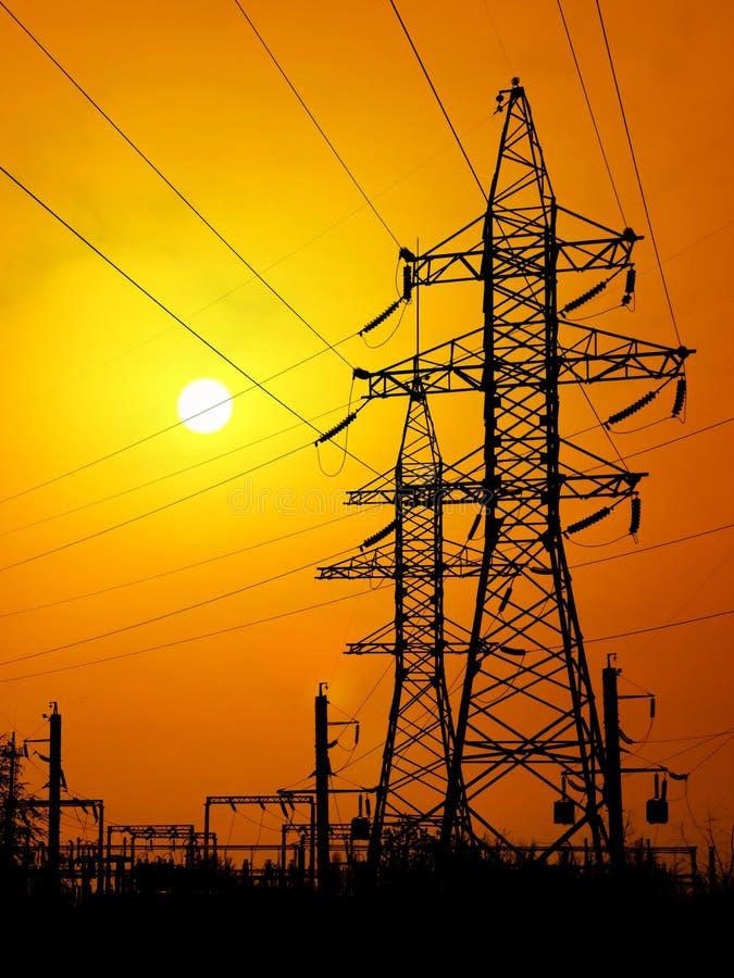 Linhas eléctricas elétricas imagem de stock