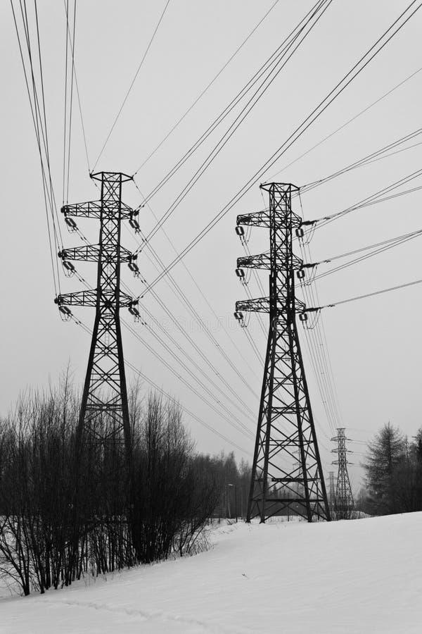 Linhas eléctricas no inverno fotos de stock royalty free