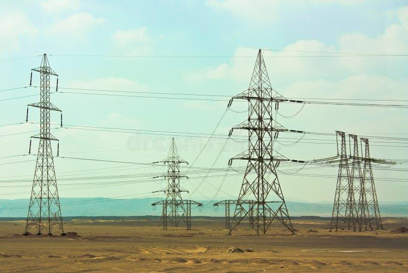 Linhas elétricas em Egito imagens de stock