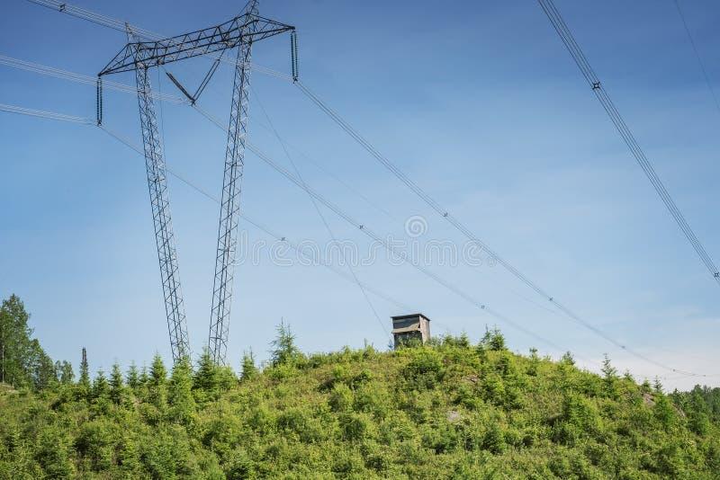 Linhas elétricas no Laurentians imagens de stock