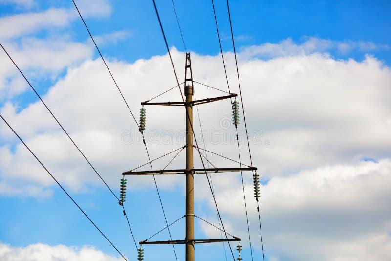 Linhas elétricas velhas imagens de stock