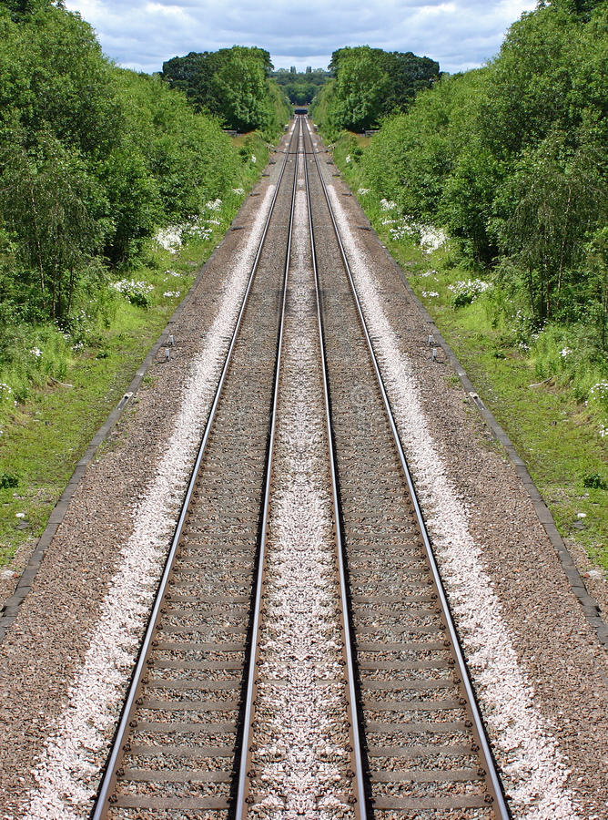 Linhas Railway na distância fotos de stock