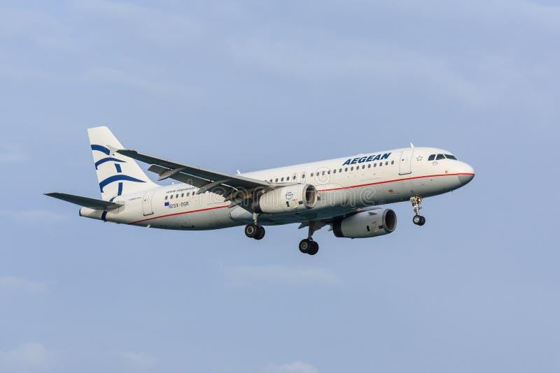 Linhas a?reas eg?ias Airbus A320 fotografia de stock royalty free