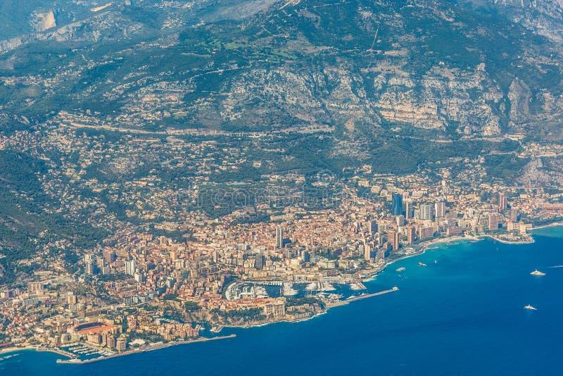 Linia brzegowa i linia horyzontu od Monaco obrazy stock