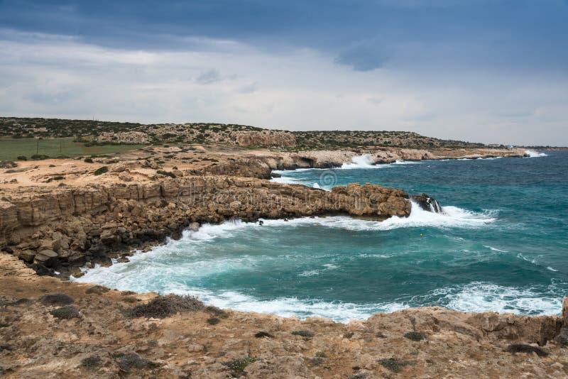 Linia brzegowa południowo-wschodni Cypr fotografia royalty free