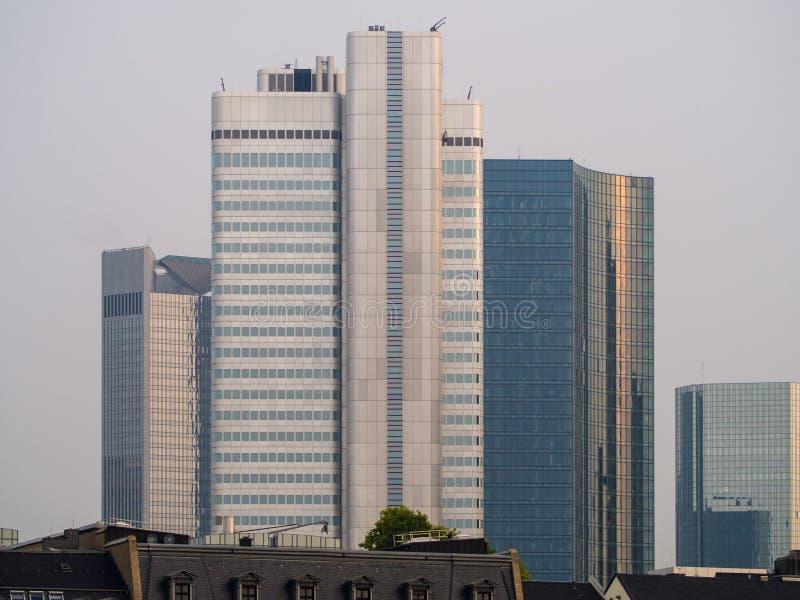 Linia horyzontu biznesowi budynki w Frankfurt, Niemcy obrazy royalty free