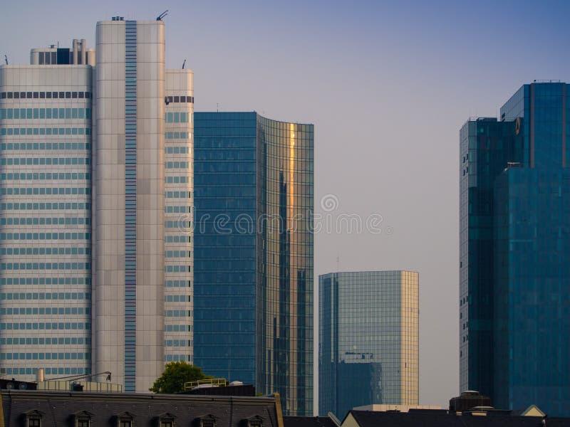 Linia horyzontu biznesowi budynki w Frankfurt, Niemcy obraz stock
