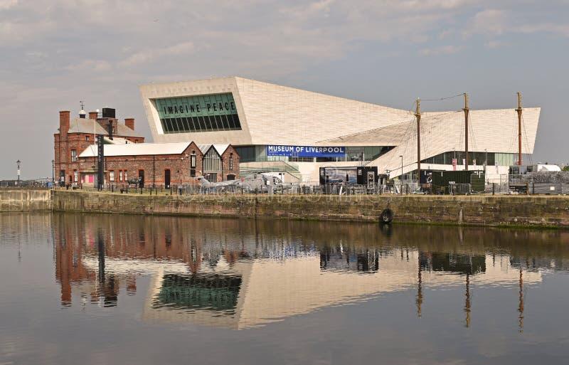 Linia horyzontu i muzeum Liverpool obrazy stock