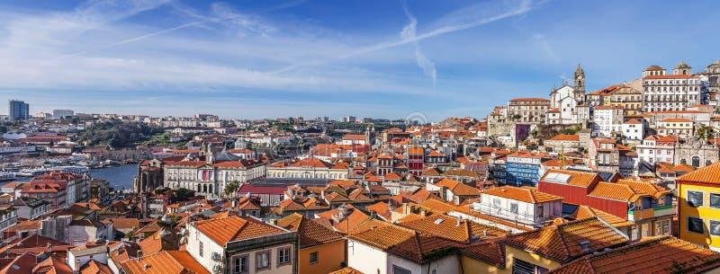 Linia horyzontu i pejzaż miejski miasto Porto w Portugalia zdjęcie stock