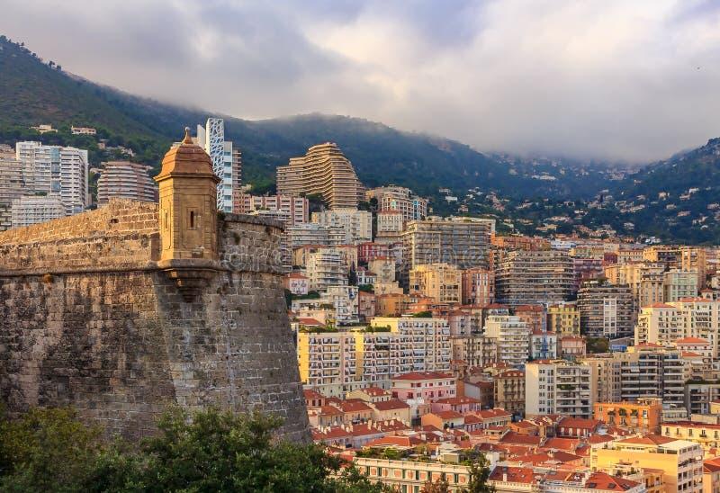 Linia horyzontu Monaco Monte, Carlo z - budynkami mieszkalnymi i mou zdjęcia royalty free