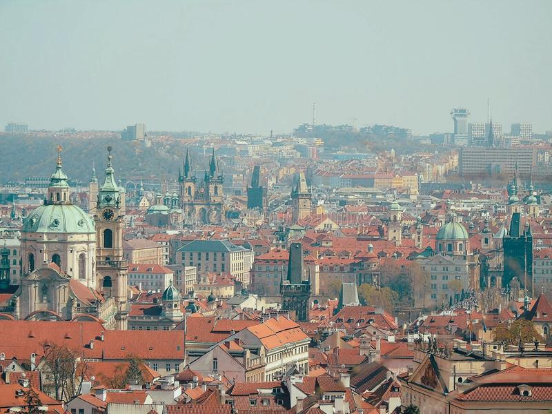 Linia horyzontu nad Praga fotografia stock