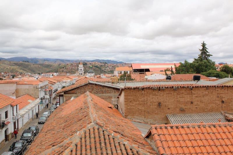 Linia horyzontu nad Sucre, Bolivia Widok z lotu ptaka nad stolicą zdjęcia royalty free