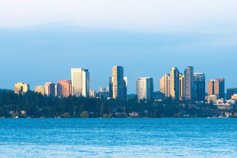 Linia horyzontu w centrum Bellevue zdjęcie royalty free