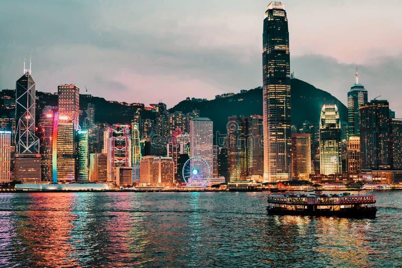 Linia horyzontu w Wiktoria HarboÐ ³ r, Hong Kong Widok od Kowloon na HK wyspie obraz royalty free