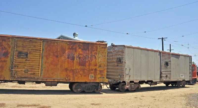 Linia kolejowa Izolujący chłodzenie samochody zdjęcie royalty free