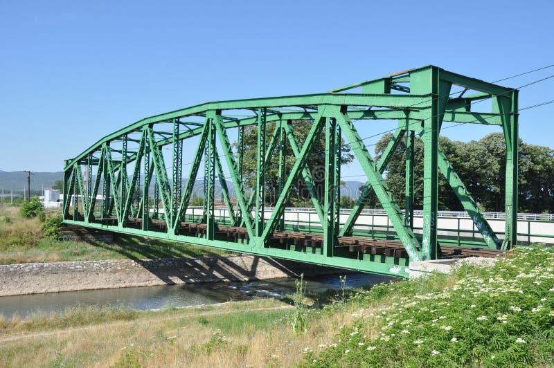 Linia kolejowa most nad rzeką obraz stock