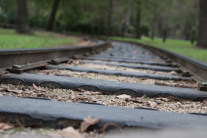 Linia kolejowa nigdzie zamknięty w górę fotografia stock