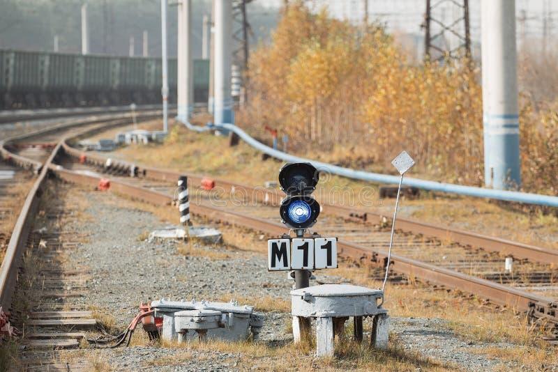 Linia kolejowa pracownicy maintaing koleje obrazy stock