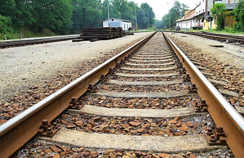 Linia kolejowa w odległości obraz royalty free