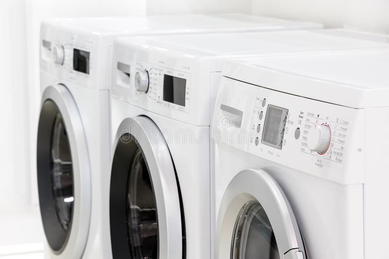 Linia pralniane maszyny obraz stock
