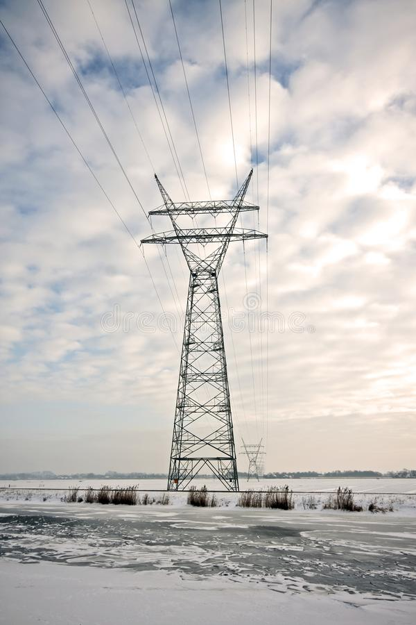linii energetycznej elektryczna zima obraz stock