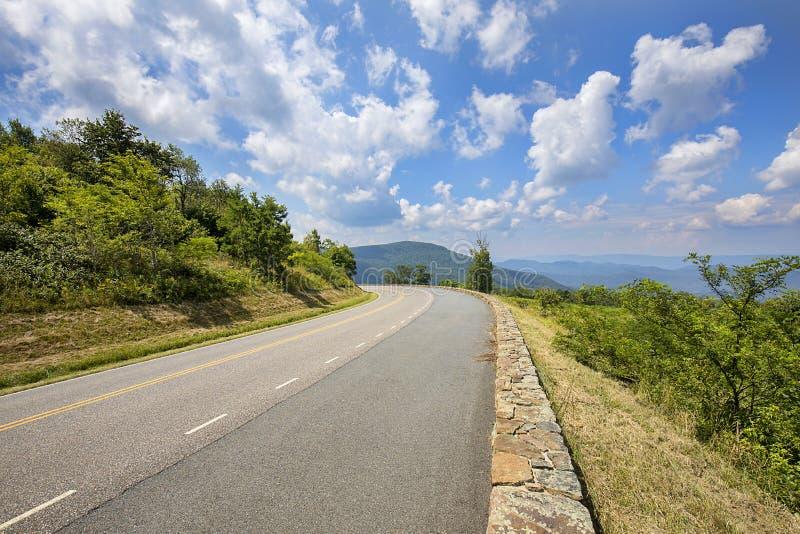 Linii horyzontu przejażdżka, Shenandoah park narodowy obrazy stock