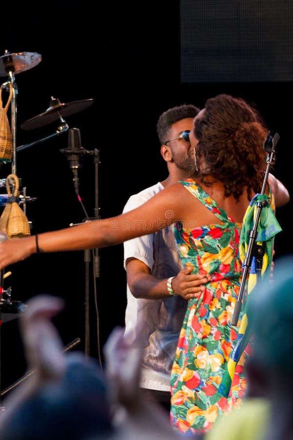 Liniker e OS Caramelows in New York Citty's SummerStage - August 2017 lizenzfreie stockbilder