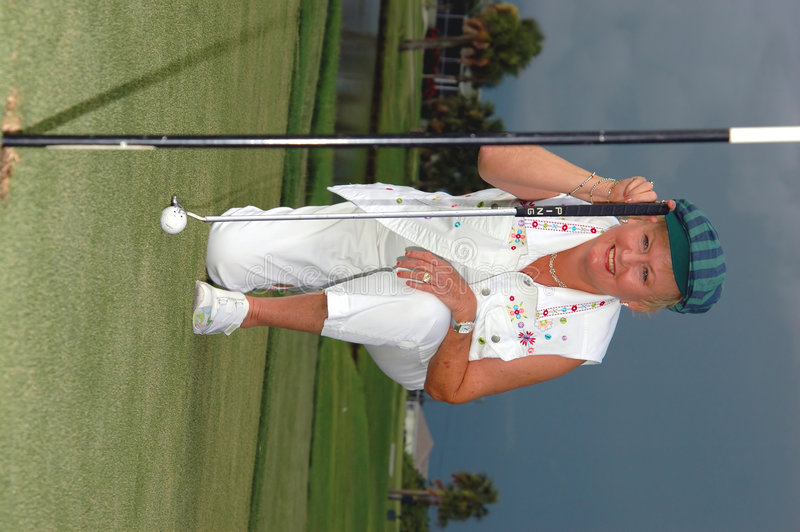 Free Lining Up Her Putt Stock Photography - 1052602