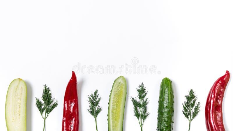 Linje av olika grönsaker royaltyfri fotografi