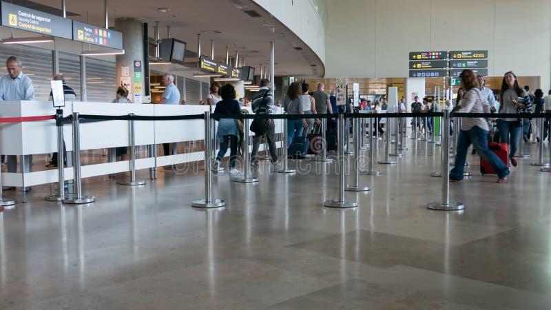 Linje för flygplatssäkerhet arkivbild