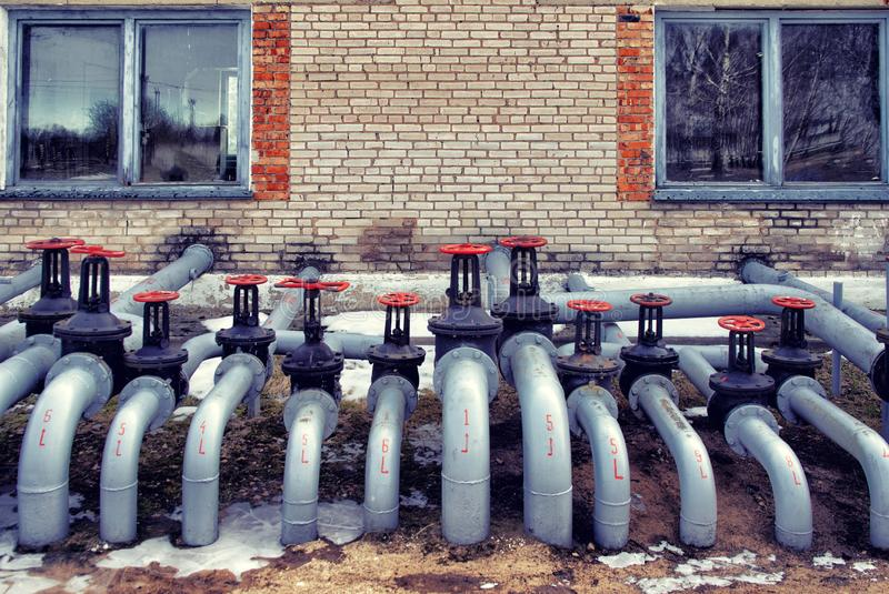 Linje ventiler för fossila bränslenrör fotografering för bildbyråer