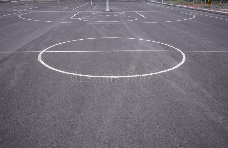 Linjer f?r basketdomstol arkivbild