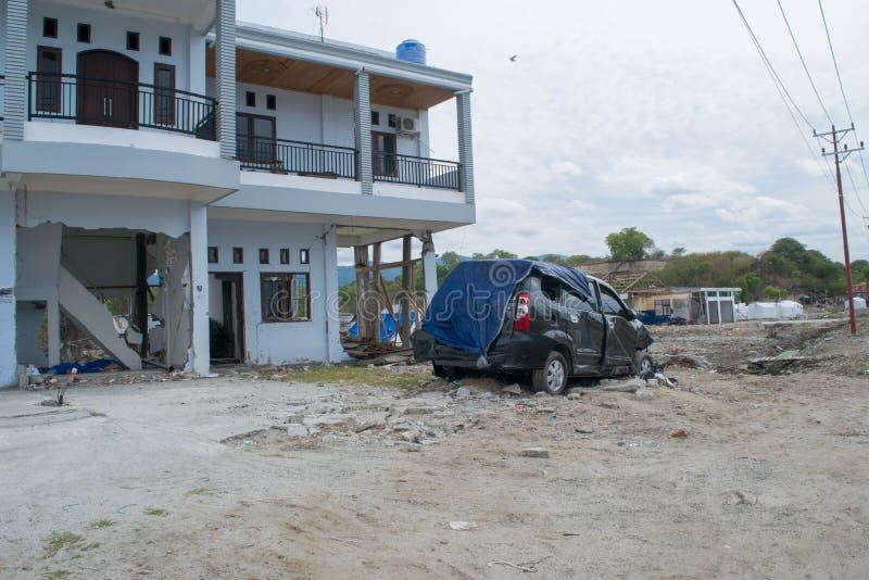 Linkerzijde over Eigenschappen na Tsunami Palu On 28 September 2018 stock afbeeldingen