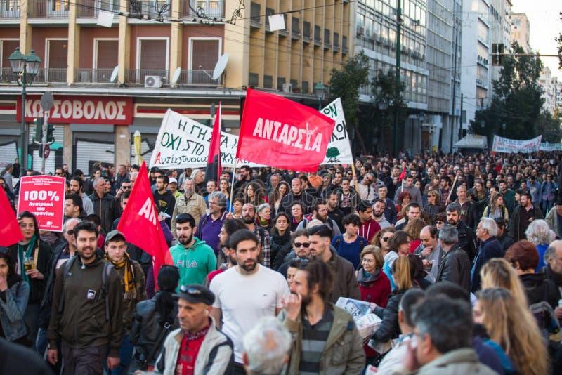 Linksgerichtet und Anarchist gruppiert die suchende Aufhebung von neuen Hochsicherheitsgefängnissen, zusammengestoßen mit Bereits stockfotos