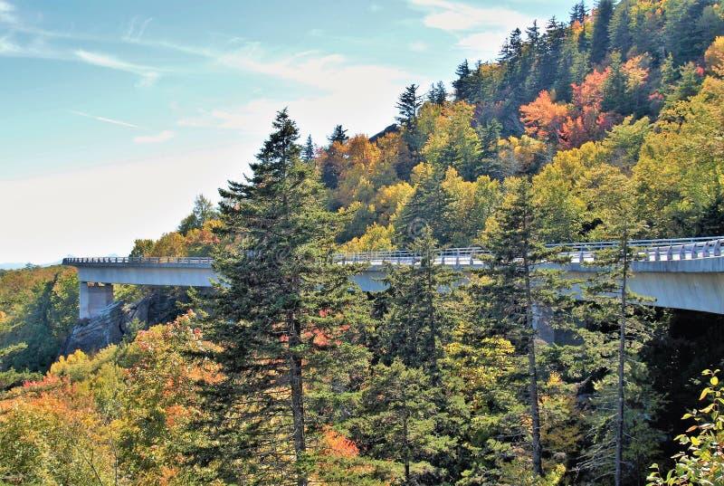 Linn Cove Viaduct lizenzfreie stockbilder