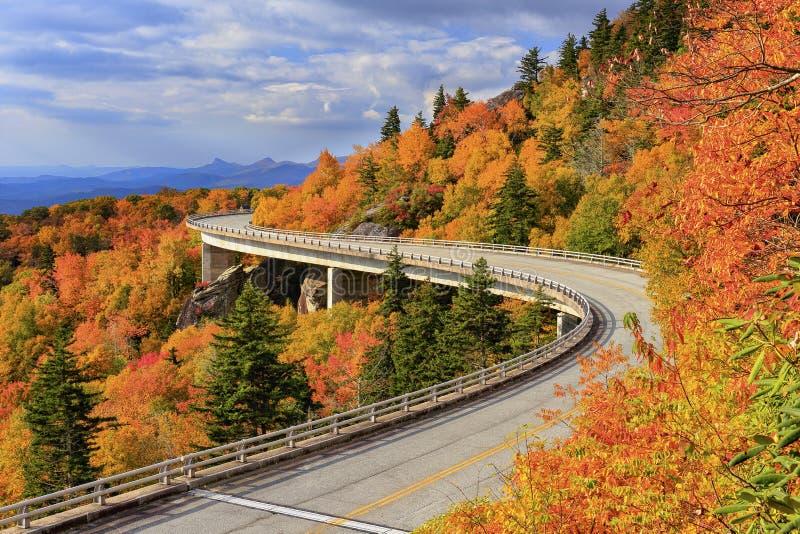 Linn Cove Viaduct imagens de stock royalty free