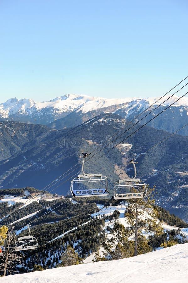 Linowy narciarski dźwignięcie - Vallnord, ksiąstewko Andorra, Europa zdjęcie stock