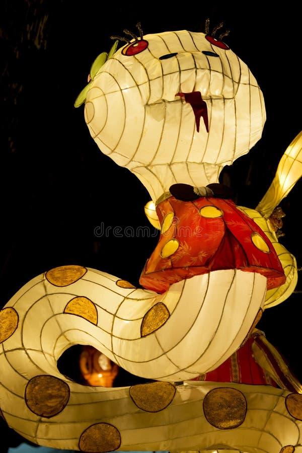 Linterna animal del zodiaco de la serpiente china fotos de archivo