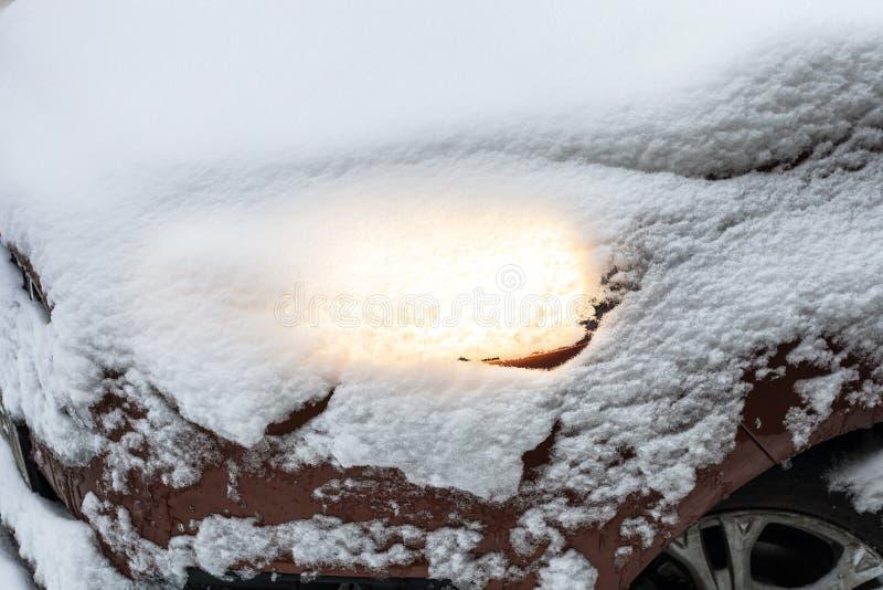 Linterna del coche nevado fotos de archivo libres de regalías