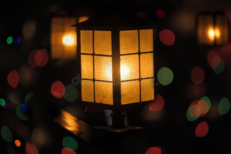 Linterna en la calle fotos de archivo