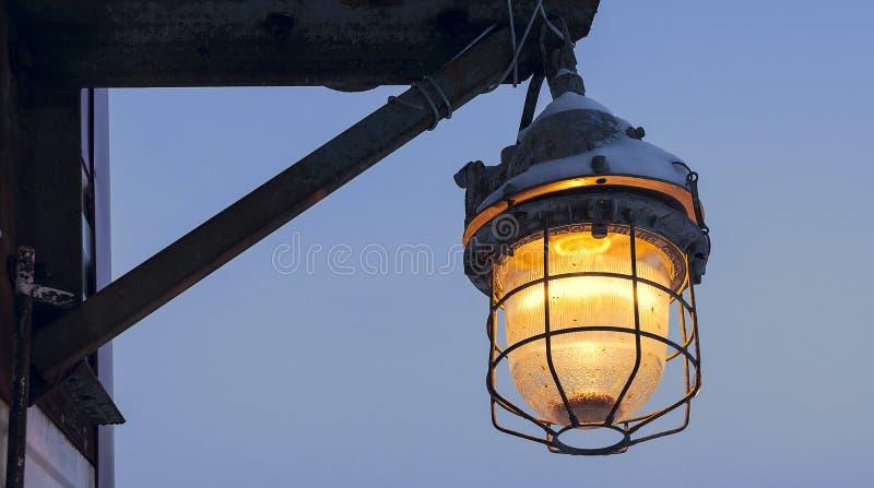 Linterna oxidada en Siberia Rusia fotos de archivo libres de regalías