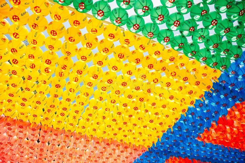 Linternas coloridas en el templo de Cheonggye en Uiwang, Corea imágenes de archivo libres de regalías