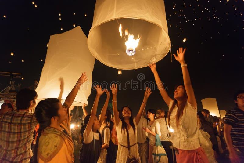 Linternas de lanzamiento del cielo fotos de archivo libres de regalías